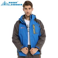 Wholesale Waterproof Windbreaker for Men Outdoor Ski Jacket Breathable Snowboard Jacket Male Outdoor Hiking or Camping Coat Winter Jacket