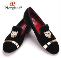 erkekler için burunlu ayakkabı toptan satış-Yeni moda erkekler parti ve düğün el yapımı loafer'lar erkekler kadife ayakkabı kaplan ve altın toka ile erkekler elbise ayakkab ...