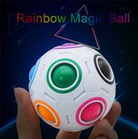 ingrosso novelli cervelloni-Rainbow Fidget Ball Sfidante Puzzle Ball Puzzle Fun Sphere Speed Cube EDC Novità Fidget Football Brain Teasers Giocattoli educativi