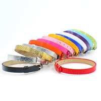 ingrosso wristband scivolo diy-Commercio all'ingrosso 100pcs / lot 8mm Snake Skin Surface PU cinturino in pelle braccialetto Fit For 8mm fai da te lettere di diapositive