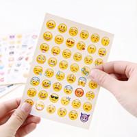 teléfonos lindos para la venta al por mayor-PVC Emoji Etiqueta de Dibujos Animados Linda Sonrisa Paster Angry Para Teléfono Móvil Diario Decoración Pegatinas Venta Caliente Regalos 0 12jd B