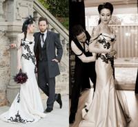 Wholesale unique vintage dresses - Unique Black and White Wedding Dresses 2016 Sweetheart Lace Applique Backless Bridal Gowns Gothic vestido de novia