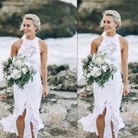 ingrosso applique da spiaggia-Abiti da sposa spiaggia 2017 pizzo bianco estate senza maniche abiti da sposa fessura sirena mare semplice abito economico per le spose su misura
