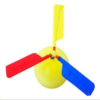 Color de la mezcla Flying Kids Balloon Helicopter DIY Balloon Airplane Toy Niños Juguete helicóptero autocombinado helicóptero 13.5 * 3.8 * 9cm
