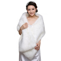 Wholesale cheap white fur coats - Elegant White Long Bridal Wraps Fake Faux Fur Hollywood Cheap Stock Wedding Jackets Outdoor Cover up Cape Stole Coat Shrug Shawl Bolero