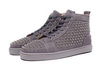 эксклюзивные ботинки оптовых-Эксклюзивный новый высокого качества мужская серая с шипами красные нижние свободного покроя обувь, женские высокие верхние плоские кроссовки size35-47