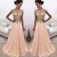 c8a0f58aa7 2018 Peach Sheer cuello redondo largos vestidos de baile apliques de encaje dorado  mangas una línea gasa formal desgaste de la fiesta vestidos de noche ...