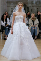 Wholesale Straight Wedding Gowns - romantic princess ball gown wedding dresses 2018 oscar de la renta bridal strapless straight across neckline embellished bodice chapel train