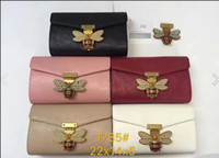 Wholesale In the little bee slanted shoulder bag of popular fashion elements The wallet
