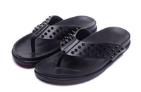 2017 New Summer Luxury Men Women Black Leather With Spikes Red Bottom Sandals Slipper Indoor Outdoor chinelos de praia Fashion Sandal for men