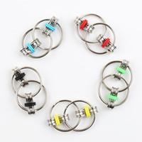anillo reductor al por mayor-Llavero Fidget Spinner Gyro Mano Spinner Metal Juguete dedo Llavero Cadena HandSpinner Juguetes para reducir la descompresión Ansiedad 5 colores