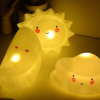 Lovely Nightlight LED Bambini Sonno Sorridente Fronte Stelle Night Lamp Take Photo Props Scuola materna Articoli decorativi 5 99mx C R