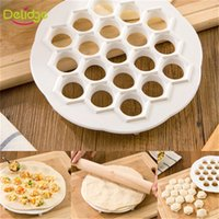 Delidge 1 pc Nuovo design 19 fori gnocco Maker Mold DIY Eco Friendly Fast Make Dumplings di plastica Strumento Jiaozi Machine
