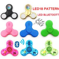 Discount flag boxes wholesale - LED Bluetooth LED 18 pattern Spinners Fidget Spinner EDC Triangle USA Flag Decompression Fingers Anxiety Toy HandSpinner in retail box