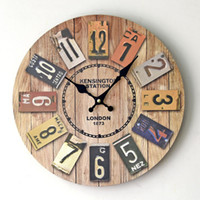 Vente en gros - Nouveaux Vintage Horloge murale en bois London Style Multicolore Digital Clocks Wall Watch Home Decor
