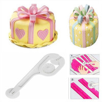 Wholesale Decorate Cake Plastic Lace - Wholesale- 3 Wheel Fondant Embosser Cutter Cake Icing Decorating Tool Pastry Sugarcraft Round Pad Lace Cutter Knife Baking Decoration Mould
