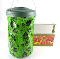 Wholesale Strawberry Baskets - 2017 Free shipping Upside Down Tomato Planter down tomato growers vegetable growers strawberries mini balconies fruit bags