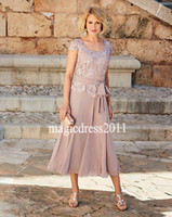 Gorgeous Dusty Rose Pink Plus Size Mother Of The Bride Dresses With Short Sleeves Jewel Tea Length Groom Suits Gowns For Weddings Wear