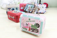 75 * 35 * 55mm Small Tin Vintage Party Rectangle Handbag Suitcase Bagagem em forma de caixa de doces Casamento Gift Gift Boxes wa4126