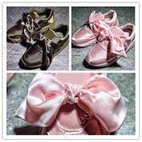 pembe bağlar toptan satış-(Kutu Ile) Toptan Sıcak Ucuz Yeni Yaz X Fenty Bandana Slayt Sneakers Ayakkabı Kadın Papyon Yeşil Pembe Rihanna Sneakers Spor Ayakkabı 35-40