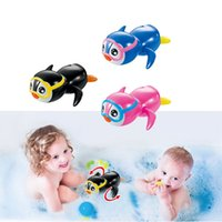 Grossiste - Swim Penguin Wound-Up Chain Petit animal Baby Children Bath Toy Wind Up Natation Penguin Bath Toy Petit New Born Baby Bath Toy