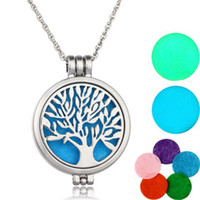 Wholesale Hypoallergenic Pendant Necklace - 60cm Chain Pads Round Antique Silver Lockets Pendants Perfume Essential Oil Diffuser Necklace Aromatherapy Jewelry Hypoallergenic Alloy