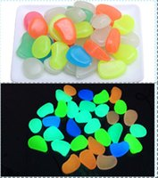 Wholesale Glow Dark Pebbles Blue - Colored Luminous Stone Hallowmas Glow in the Dark Stones Green Decor Garden Outdoor Pebble Luminous Rocks Blue Pretty Stylish Creative Stone