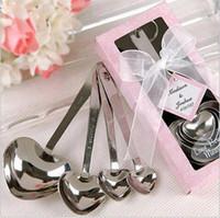 favores de la boda cuchara forma de corazón al por mayor-Amor Eco-Friendly favores de la boda del corazón simplemente elegante forma de medir de acero inoxidable 4pcs Cuchara / set Caja de regalo