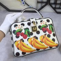 Wholesale banana phone cover for sale - Sicilian fruit prints banana shoulder pack small package leather hand wave point boxes bags boxes bags