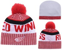 New Beanies Team Red Wings 2017 Calda maglia Hockey Beanie Pom Pom Knit Hats Baseball Football Basketball Berretti Red Mix Match Ordine Tutti i tappi