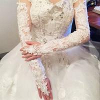 weiße fingerlose handschuhe stickerei großhandel-Jane Vini Lace Lange Brauthandschuhe Fingerless Weiß / Rot Hochzeit Handschuhe über dem Ellenbogen Länge Womens Damenhandschuhe Gants De Mariage Pour Femme
