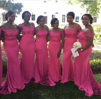 vestidos de dama de honor rosa al por mayor-Hot Pink Plus Size Lace Vestidos de dama de honor 2018 Hombro Sirena africana Sirvienta de honor Vestidos de tren de barrido Vestidos de fiesta formales