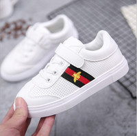 Wholesale Bee Board - 2017 Spring and Autumn New Medium and Large Children Canvas Shoes Boys Little White Shoes Girls Little Bees Leisure Boards