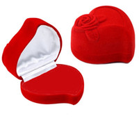 Popular Design Red Heart Shape Velvet Engagement Wedding Ring Box Caixa de jóias Rose Flower Design Gift Holder