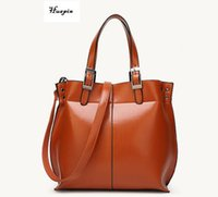 Wholesale Envelope Retro - 2017huapin The latest handbags Simple shoulder portable Messenger bag Europe and the United States retro high-grade oil paclitot package