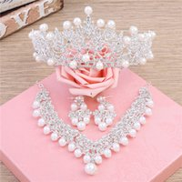 Wholesale womens bridal sets - Bridal Wedding Accessory Sets Womens Bridal Crown Necklace Wedding Veils Vintage Crystal Wedding Accessories Fashion 3 Pieces Bridal Jewelry