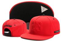 sombrero de gorra snap en blanco al por mayor-Casquillo en blanco Nuevo diseño Sombreros del Snapback Casquillo de Cayler Hijos Casquillo trasero Gorras de béisbol de los deportes Sombrero rojo 23 hip hop casquette hueso gorras
