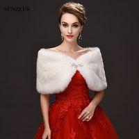 capa de invierno marfil rojo al por mayor-Recién llegado de boda Wraps rojo marfil Hochzeit Cape Winter cálido nupcial Bolero Faux Fur Wraps en venta