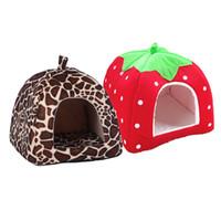 lits chat fraise achat en gros de-Pliable doux hiver léopard chien lit fraise grotte chien maison mignon chenil nid chien molleton chat lit maison