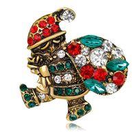 ingrosso spilla nuova lega-Nuovi ornamenti di Natale retrò Santa Pin spilla in lega colorato strass corpetto accessori moda gioielli perni accessori