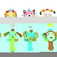 Vente en gros - Baby Toy Ring Bell Baby Plush Rattle Squeaker Rod Mignon Cartoon Animal Musical Dog Chat Monkey Lion Sheep Plush Toy (6pcs = 1set)