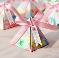 Atacado- 100 x New Arrival Pink Gift Box Bowknot Estilo Fita Triangular Pirâmide Wedding Favors Candy Boxes Fontes do partido