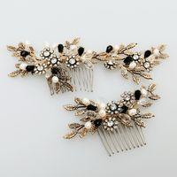 Wholesale Rhinestone Leaf Hair Comb - 2017 Vintage Gold Leaf Flower Hair Comb Pearl Bridal Hair Jewelry Handmade Wedding Accessories Combs Women Headwear