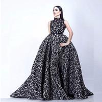 siyah beyaz yakalı elbise toptan satış-Moda Vestidos De Formature Siyah ve Beyaz Akşam elbise Yüksek Yaka Kolsuz Mermaid Gelinlik Overskirt ile