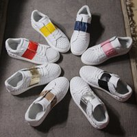 2017 Nome Brand New Designer Knitting Leather Casual Shoe Man Moda Cores Misturadas Patchwork Rivets White Couple Sneakers Woman Shoes Flat