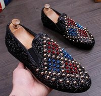 2017 New Arrival Men Glitter Studded Rivet Spike Casual ShoeS Flats Homme Homecoming Robe Wedding Prom Chaussures Driving Lover