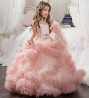 vestido formal de criança amarela venda por atacado-2018 tule rosa vestido de baile vestidos de menina de flor pura ilusão de tule pescoço manga curta até o chão primeiro vestido de comunhão meninas pageant dress