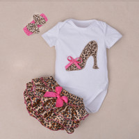 Atacado - 3Pcs Set Baby Newborns 2016 Summer Cotton Short Sleeve Leopard Bodysuit Sapatos de salto alto Print Ruffles Baby Girl Clothing Sets