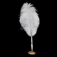 stylos de plumes de mariage achat en gros de-Stylo de signature de plume d'oie en gros d'autruche avec le stylo de support en métal de mariage réglé le blanc