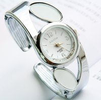 Wholesale Heart Ceramic Watch - The new style women diamond round fashion watches bracelet watches quartz watch luxury refineness new and unusal watch